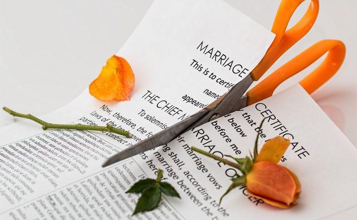 Quels sont les avantages à opter pour le divorce en ligne sans juge ?